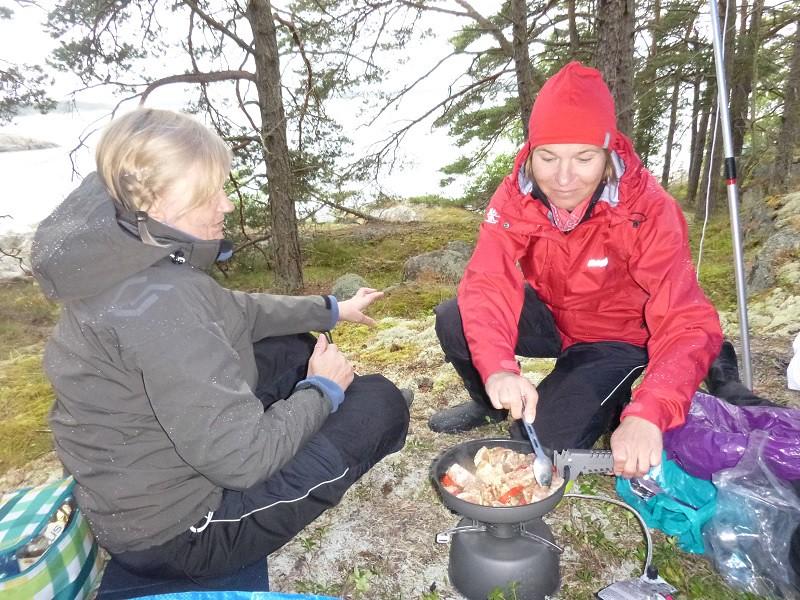 Anja&Sanna delar spis