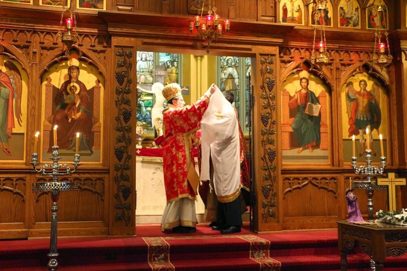 Ordination Fr. John Sakellariou (89).jpg