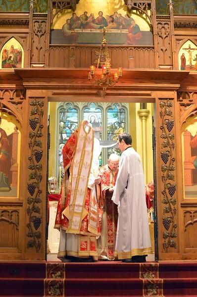 Ordination Fr. John Sakellariou (90).jpg