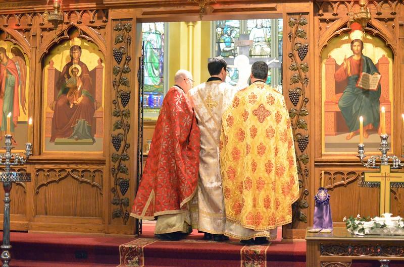 Ordination Fr. John Sakellariou (67).jpg