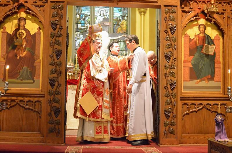 Ordination Fr. John Sakellariou (95).jpg