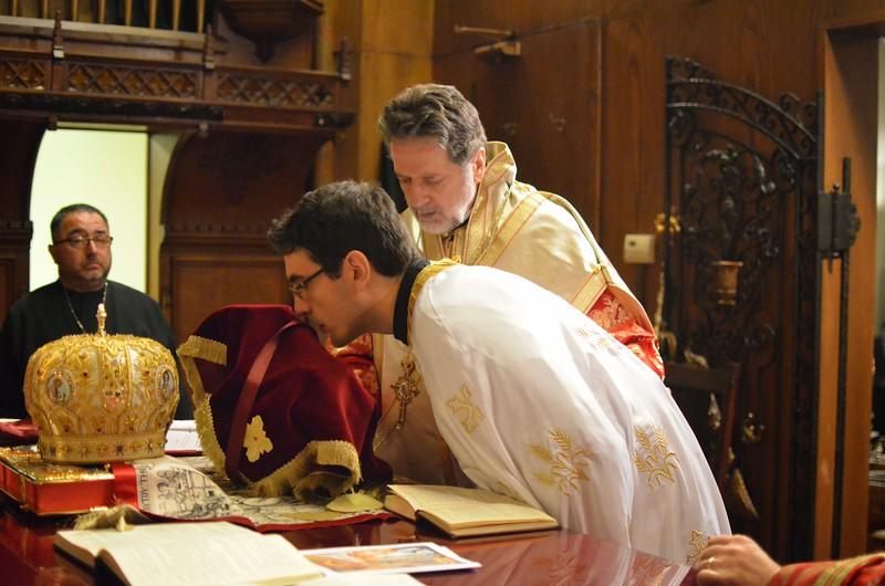 Ordination Fr. John Sakellariou (105).jpg