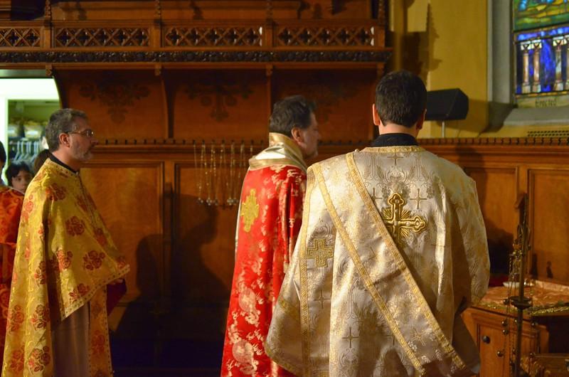Ordination Fr. John Sakellariou (08).jpg