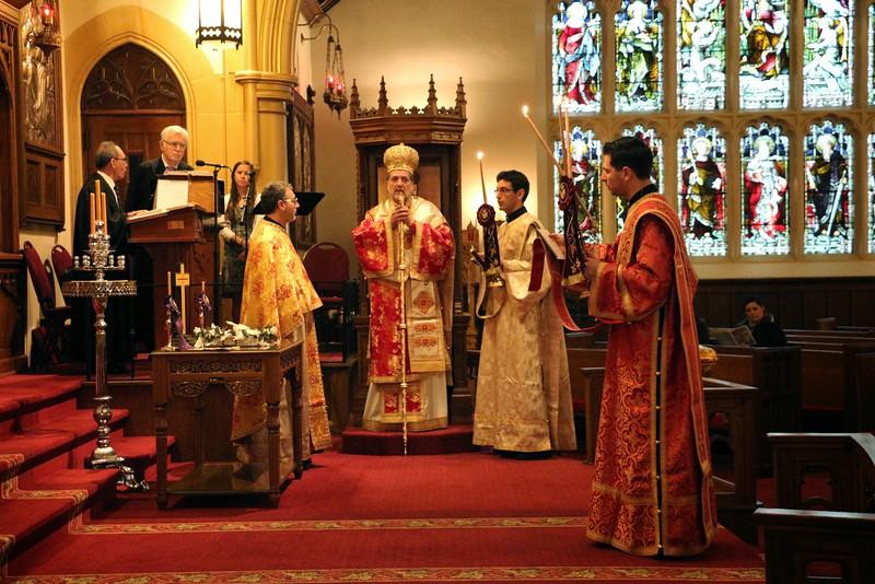 Ordination Fr. John Sakellariou (13).jpg