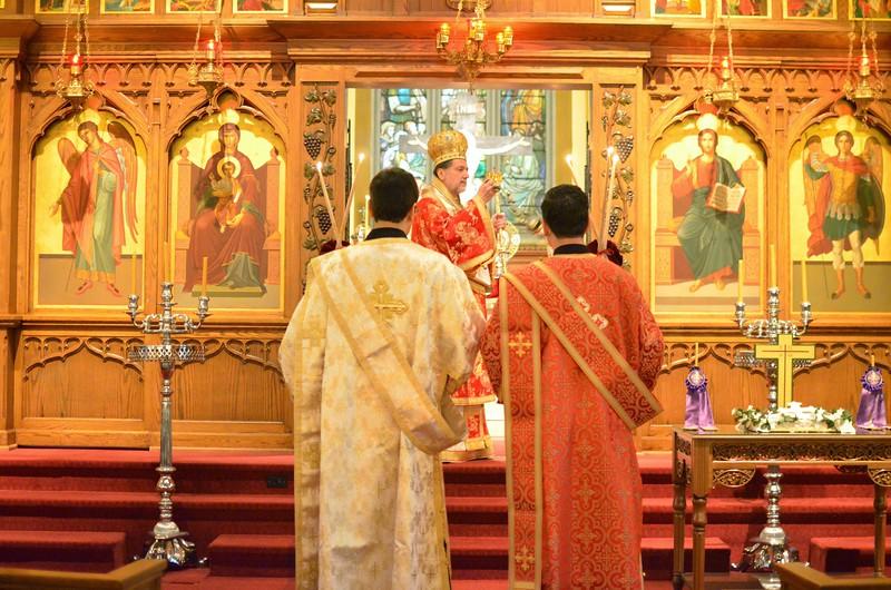 Ordination Fr. John Sakellariou (12).jpg