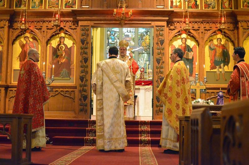 Ordination Fr. John Sakellariou (60).jpg