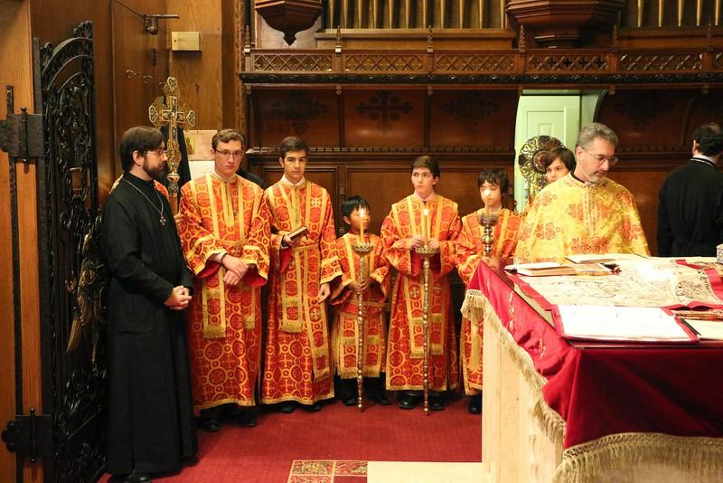 Ordination Fr. John Sakellariou (44).jpg