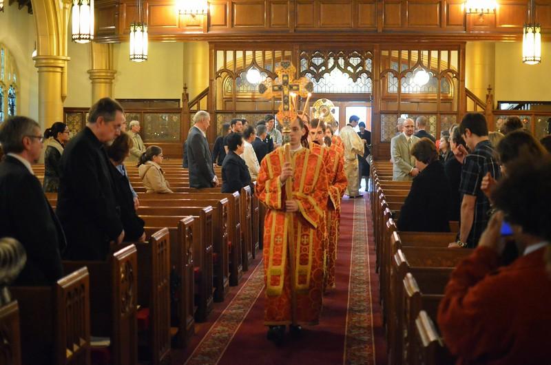 Ordination Fr. John Sakellariou (51).jpg