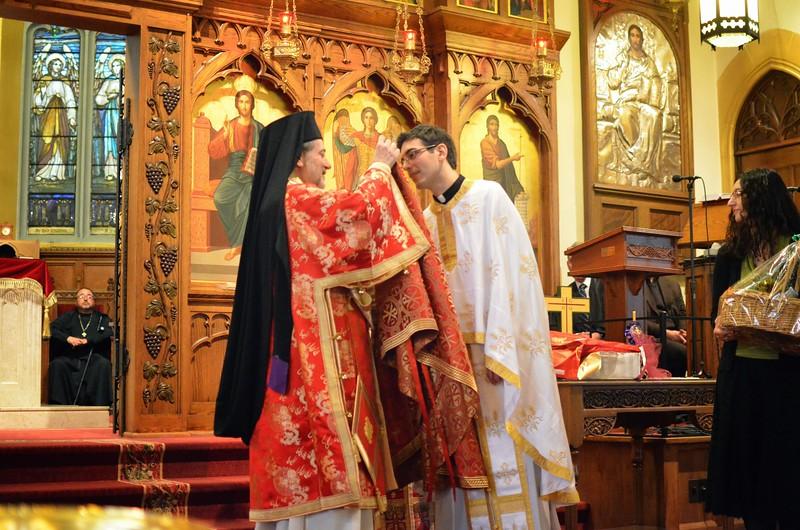 Ordination Fr. John Sakellariou (140).jpg