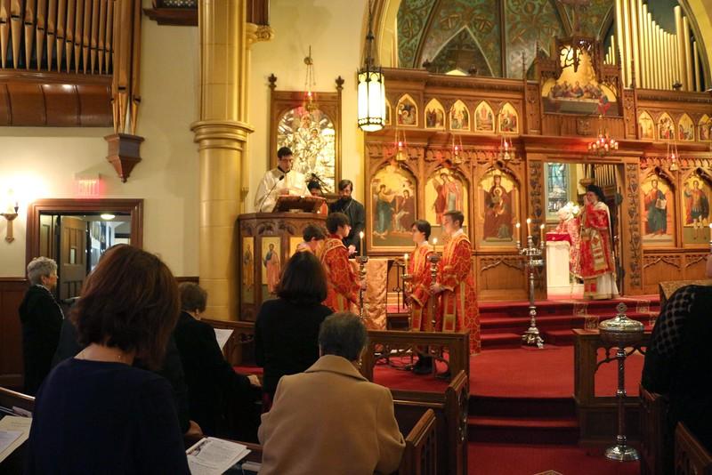 Ordination Fr. John Sakellariou (28).jpg