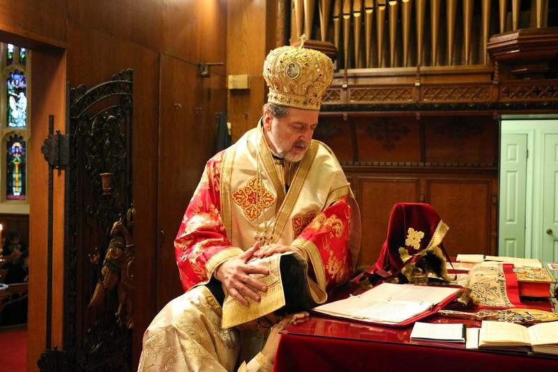 Ordination Fr. John Sakellariou (82).jpg