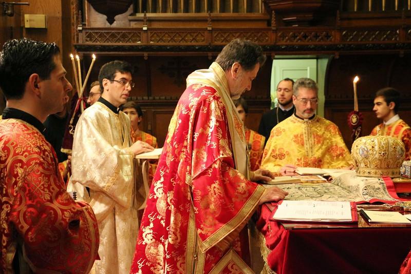Ordination Fr. John Sakellariou (43).jpg