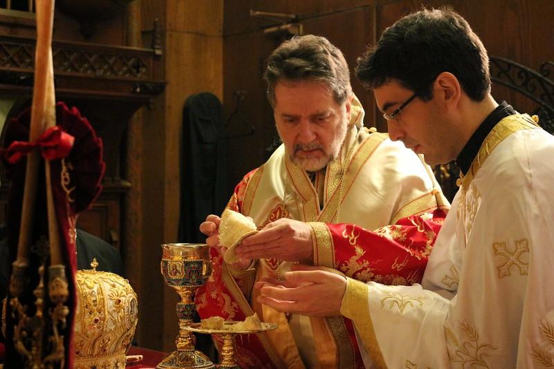 Ordination Fr. John Sakellariou (112).jpg