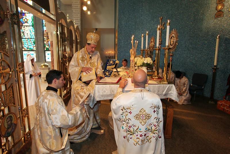 Ordinations Fr. Redmon & Dcn. Sakellariou (112).JPG