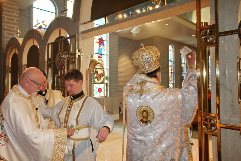 Ordinations Fr. Redmon & Dcn. Sakellariou (121).JPG