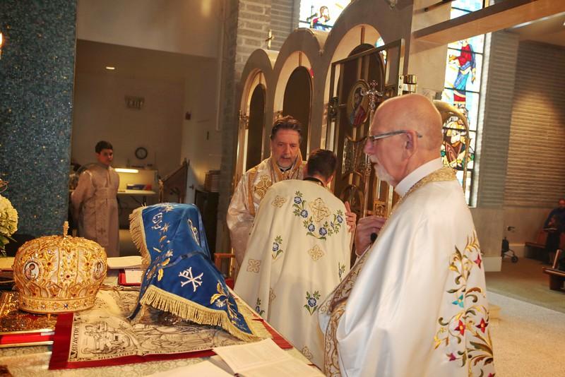Ordinations Fr. Redmon & Dcn. Sakellariou (136).JPG