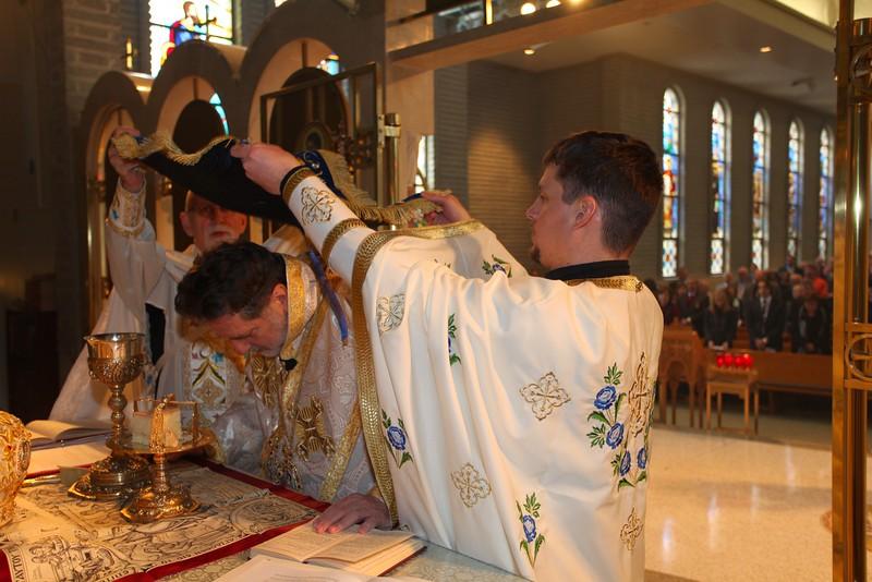 Ordinations Fr. Redmon & Dcn. Sakellariou (138).JPG