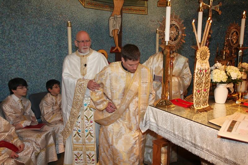 Ordinations Fr. Redmon & Dcn. Sakellariou (106).JPG