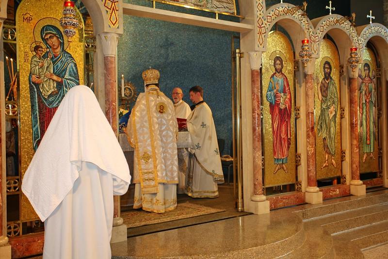 Ordinations Fr. Redmon & Dcn. Sakellariou (130).JPG