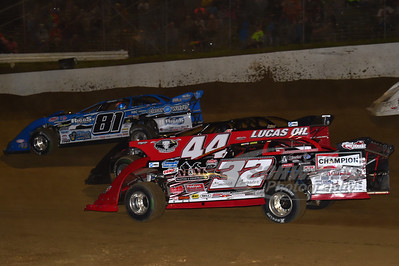 32 Bobby Pierce, 44 Earl Pearson, Jr. and 81 Brian Shirley