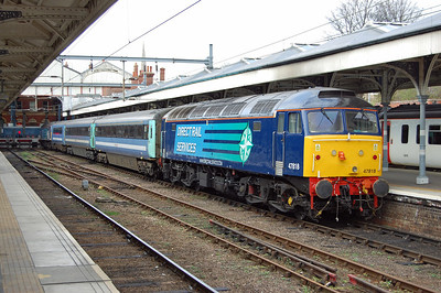 Later that afternoon 47818 is seen at Norwich at the head of 2P24 1436 to Great Yarmouth (17/03/2014)
