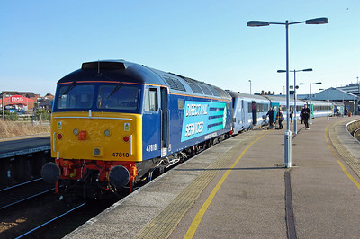 Under clear blue skies, 47818 is pictured again later that afternoon at Great Yarmouth with 2C23 1512 to Norwich via Reedham (24/02/2014)