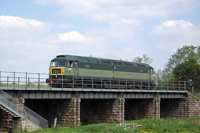 47402 crosses the river at Wansford as it backs onto the rear of the 1300 to Peterborough via Yarwell during the Nene Valley Railway's Diesel Gala (18/05/2014)