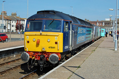 47841 waits to depart from Lowestoft with 2J81 1548 to Norwich (30/05/2014)