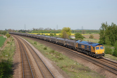 66714 'Cromer Lifeboat' rounds the curve at Burton Salmon with 6D21 1348 Tyne Coal Terminal to Doncaster Down Decoy (03/05/2014)