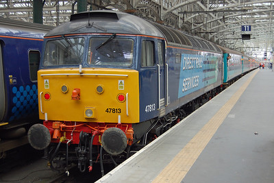 47813 'Solent' is pictured on arrival at Glasgow Central with 1Z27 0700 charter from Llandudno Junction, which had been organised jointly by Compass Tours and the Diocese of St Asaph. 47828 was on the rear of the train to work the empty stock to Polmadie, having run round in Clydesdale loop after working in multiple with its class-mate for the bulk of the journey (05/05/2014)
