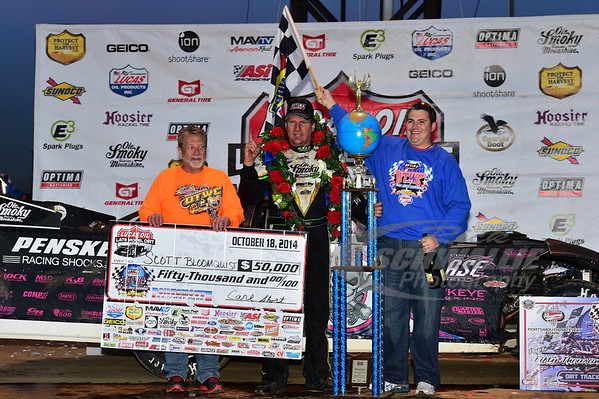Scott Bloomquist in Victory Lane with Carl Short and Gerald Newton