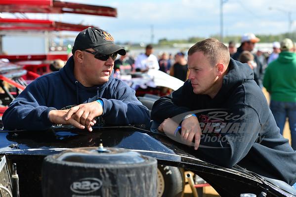 Scott James talks with former teammate - Jason Riggs