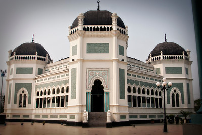 The one tourist attraction in Medan: The mosque.