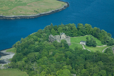 Dunstaffnage Castle 310514 Aerial