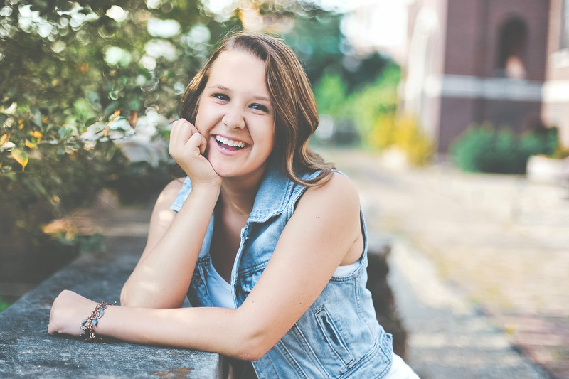 Zanesville senior pictures with Abby