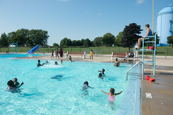 JOED VIERA/STAFF PHOTOGRAPHER-Lockport, NY-Kids play in the Rotary Club Pool on Friday, August, 22nd.