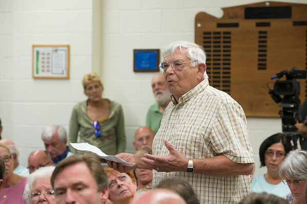 JOED VIERA/STAFF PHOTOGRAPHER-Wilson, NY-Village of Wilson resident Bob Colangelo shares his opinions during a meeting at Wilson's Town Hall before Tuesday's vote on dissolution  on Thursday, August, 21st.