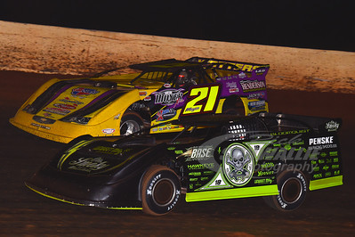 0 Scott Bloomquist and 21 Billy Moyer
