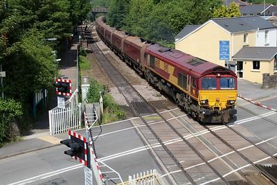 66085 1547/4O54 Aberthaw-Margam passes Pencoed Station Crossing  14/06/14