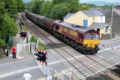 66046 1452/6V75 Dee Marsh-Margam passes Pencoed Station Crossing  14/06/14