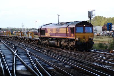 66007 arrives into Eastleigh on the Westbury-Eastleigh service.