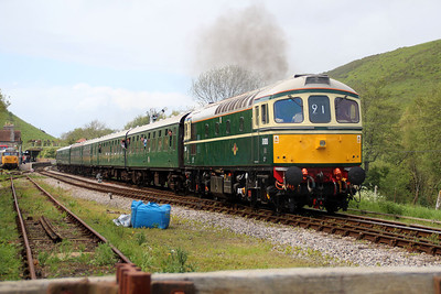 D6515 departs Corfe Castle for Swanage.