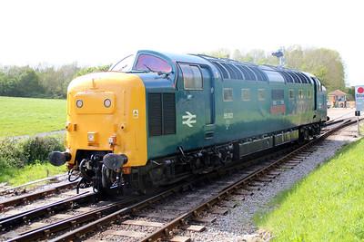55002 'KOYLI' running into Norden sidings.
