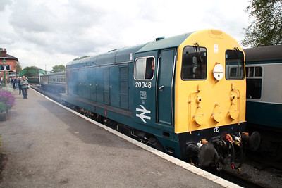 20048 passes through the station to couple onto the rear of 47635's train.