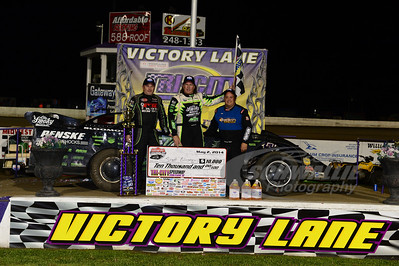 Jimmy Owens, Scott Bloomquist and Randy Korte in Victory Lane