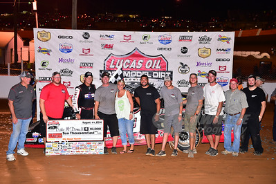 Dale McDowell and crew in Victory Lane