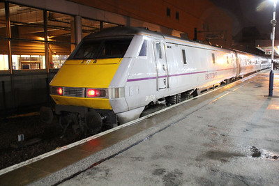 91124 on a Kings Cross service at Doncaster.