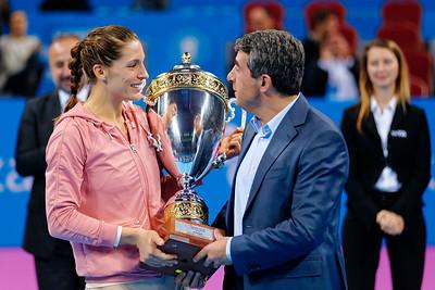 01.16 Andrea Petkovic and Rosen Plevneliev President of Bulgaria - WTA Champions finals Sofia 2014_01.16