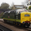 D9016 runs round the arrived train at Leicester North 30/03/14