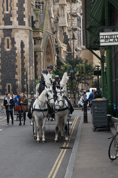 Wedding Carriage at Southwark Cathedral